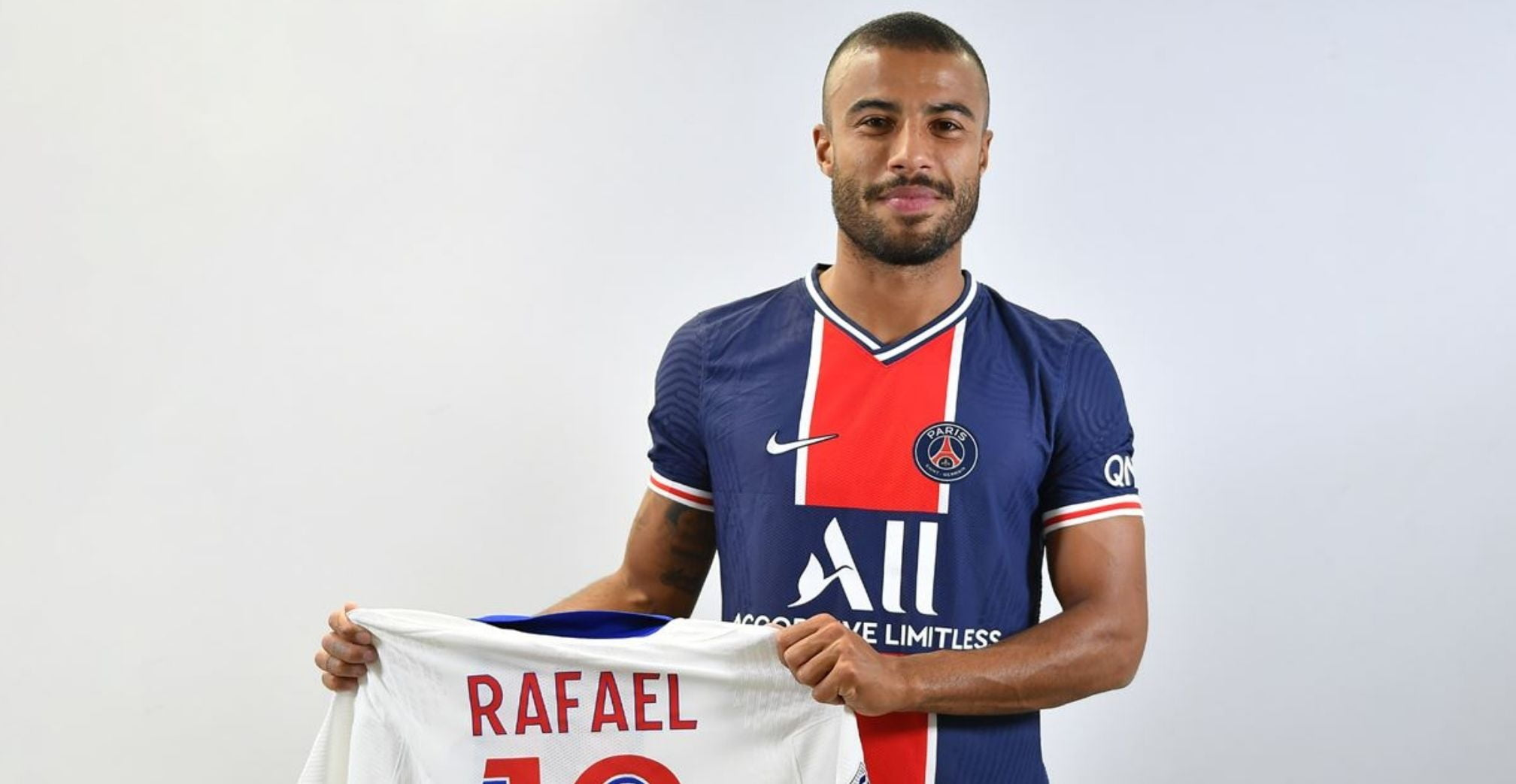 Rafinha: 'Incredible opportunity to join PSG'
